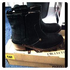 Ⓜ️ ($58) Genuine Leather Boots ⚡️⚡️SALE⚡️⚡️ These boots aren't light weight, you can take these boots to do some heavy work or dress it up chick with a sundress! Your choice :) Caterpillar Shoes Ankle Boots & Booties
