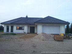 blog budowlany - mojabudowa.pl Prefab Houses, Bungalow House Design, 3 Bedroom House, Dream House Plans, House Ideas, How To Plan, Outdoor Decor, Photos, Home Decor