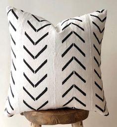 Black & white arrow mudcloth Boho Pillow Australia - Decor Haven - Black And White Cushions, Black Pillows, Black White, Black And White Fabric, Small Pillows, Boho Throw Pillows, Boho Cushions, Modern Cushions, Decor Pillows