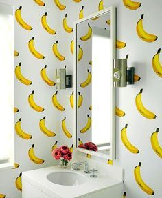 Going bananas over this cute bathroom.