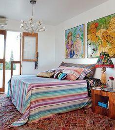Ideias para decorar a parede da cabeceira da sua cama