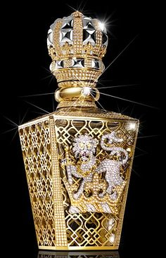 The Passant Guardant, left, is covered in 24 carat gold and encrusted in diamonds. To mark the opening of the Salon de Parfum boutique at the London department store, the British perfumer Clive Christian has created a special edition of his perfume. Harrods, Clive Christian Perfume, Perfume Chanel, Expensive Perfume, Antique Perfume Bottles, Beautiful Perfume, Most Expensive, Designer Perfumes, Vintage Perfume Bottles