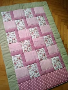 17 super ideas for patchwork quilt baby girl sew Quilt Baby, Baby Patchwork Quilt, Patchwork Quilt Patterns, Baby Girl Quilts, Lap Quilts, Girls Quilts, Scrappy Quilts, Quilt Block Patterns, Quilt Blocks