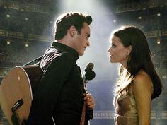 """Joaquin Phoenix e Reese Witherspoon em JOHNNY & JUNE (Walk the Line). 1-""""Tem muitos 'se' nessa frase!  Na verdade, tem apenas um."""", 2-""""- Eu não cansei de falar dele, mas as pessoas cansaram de me ouvir, então, eu parei!"""""""