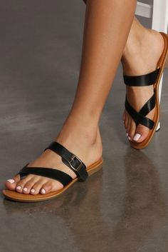 Take a walk on the trendy side with women's shoes in winter & holiday styles—block heels, stilettos, ankle booties, thigh high boots, dressy flats & more. Cute Shoes Flats, Casual Shoes, Pretty Sandals, Cute Sandals, Leather Slippers, Leather Sandals, Sandals Outfit, Shoes Sandals, Cute Nike Outfits