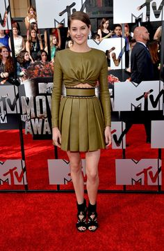 Shailene Woodley | All The Looks From The MTV Movie Awards Red Carpet