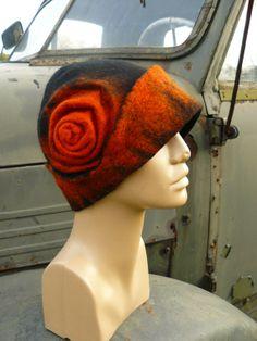 Stylish felt hat.... by PrzystanekRekodzielo on Etsy