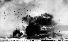 USA Hawaii : Attack on Pearl Harbor by the Imperial Japanese Navy on December 7, 1941 View of the hard-hit battleship 'Arizona', causing a huge cloud of smoke. Within the circle is an attacking Japanese fighter aircraft - Vintage property of ullstein Pictures | Getty Images