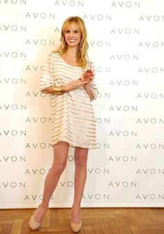 Mariana Fabbiani con el Vestido Calcuta de #VeroFar en la Presentación de la Nueva Fragancia romántica Treselle Amour de Avon.