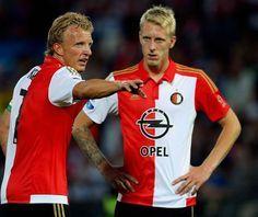 Dirk Kuyt geeft Lex Immers tactische aanwijzingen. Vijf dagen voor de competitiestart tegen FC Utrec... - Hans van Tilburg