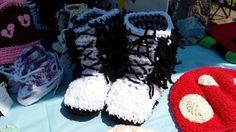 Pantoufles bottes poilues enfants