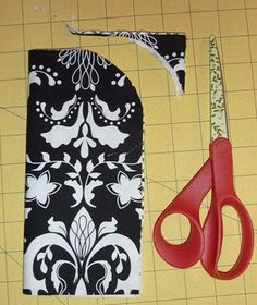 Vera Bradley Inspired Glasses Case Tutorial Sew Much Sunshine [to the square inch]: