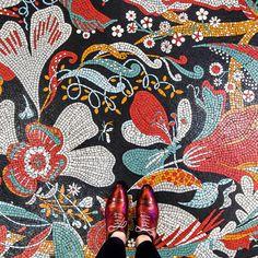 Catchy Mosaic Floor Ideas For Home Interior 35