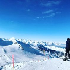 a dream in white...!!  #bergsports #hintertuxergletscher #freeride #glacierparadice  #Winterpark #snowboarder #snowsurf #Skiing #Skier #Railpark #Shaper #Style #Freeski.  #outdoor #abinsfreie #nature #love #travel #natursports #wonderful #travellife #travelgram #trip #meinperfekterskitag #followme