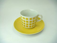 mustard AND a teacup