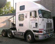 Big Rig Trucks, Semi Trucks, Old Trucks, Kenworth Trucks, Rigs, Tractors, Cool Pictures, Cool Stuff, Buses