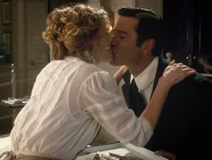J&W kissing and my heart melted Murdock Mysteries, Julia Williams, Fandoms Unite, Film Serie, Great Stories, Mystery, Tv Shows, Joy, Actors