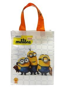 Fine Minions Trick or Treat Canvas Bag. Delightful ideas of Minions Party Treat Bags for Halloween at PartyBell. Minion Party Supplies, Minion Party Favors, Minion Theme, Minions Bob, Trendy Halloween, Halloween Trick Or Treat, Discount Clothing, Funny Halloween Costumes, Reusable Bags