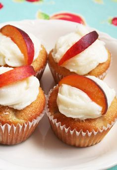 Vanilla Bean Ice Cream Cupcakes With Apple Cinnamon Whipped Cream ...