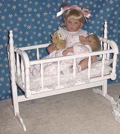 Lee Middleton Doll Baby Doll Cradle Doll Furniture