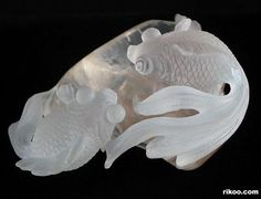 "3.3 "" Quartz Rock Crystal Crystal Carved Fish Sculpture. Stone origin : Madagascar. Via rikoo.com ( top view )"