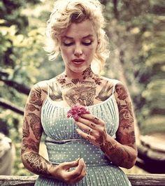 16 photos célèbres de stars recrées avec de faux tatouages