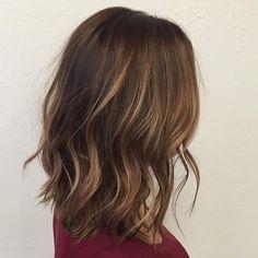 Balayage brunette lob beauty in 2019 Brunette Lob, Balayage Hair Blonde Medium, Hair Color Balayage, Balayage Highlights, Short Balayage, Brunette Highlights, Color Highlights, Ombre Hair, Wavy Hair