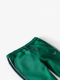 Pants with elastic waistband and adjustable front drawstring. Front pockets and back patch pockets. Side stripe detail and cuffed hem. Zara Home Stores, Joggers, Sweatpants, Zara Boys, Embroidery Motifs, Back Patch, Gym Shorts Womens, Trousers, Stripes