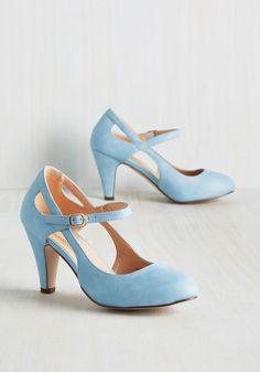 Chaussures de mariage - Fontaine de Vérité talon dans Dusty Bleu http://amzn.to/2uFwQtX