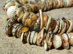 Ancient Neolithic shell beads from Senegal African Trade Beads, African Jewelry, Tribal Jewelry, Jewelry Art, Beaded Jewelry, Jewellery, Ceramic Beads, Clay Beads, Lampwork Beads