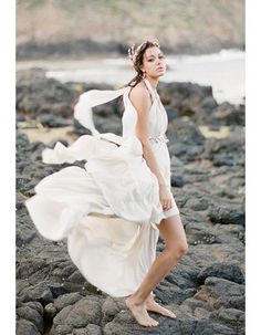 Beach Backless Halter Neck Long Chiffon Wedding Dress