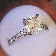Captivating beauty. #Helzberg Diamonds #Aisle Style #Entry #helzbergdiamonds