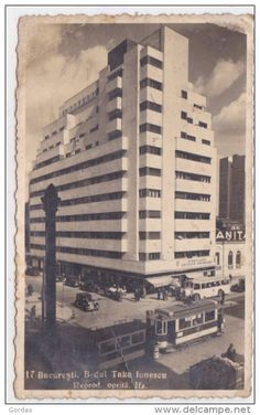 Blocul Scala-s-a prăbusit la cutemurul mare din 4 martie 1977 Bucharest Romania, Photo Blocks, Old City, Old Pictures, Time Travel, Skyscraper, Tourism, Places To Visit, Architecture
