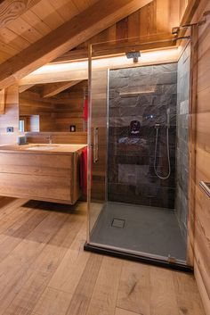 Bathroom with slate bathroom slate Wooden bathr Slate Bathroom, Attic Bathroom, Bathroom Flooring, Slate Flooring, Wooden Bathroom, Bathroom Vanities, Chalet Interior, Cabin Bathrooms, Shower Cubicles