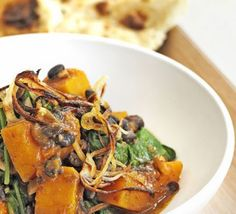 Pumpkin, spinach and black bean dopiaza - THE BEST vegetable curry recipe. Use squash instead of pumpkin if easier!