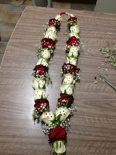 Fresh Flowers In Pink And White Indian Wedding Garlands Bouquets Pinterest Flower