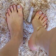 Clique na Foto e Receba o Curso Profissional Unhas de Gel, Acrigel e de Fibra. Pretty Toe Nails, Pretty Toes, Cute Nails, Aycrlic Nails, Swag Nails, Hair And Nails, French Nail Designs, Manicure Y Pedicure, Best Acrylic Nails