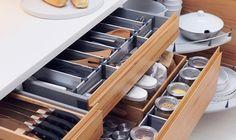 Cajones de cocina bien organizados