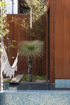 Callignee 2 - Featured on episode 1 season 1 of Grand Designs Australia Grand Designs Australia, Corten Steel, Shower Tub, Building Design, Backyard Ideas, Garden Ideas, Beautiful Homes, Sculptures, New Homes
