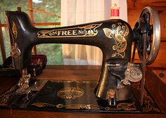Molly's wonderful antique sewing machine. Actually, this is my Free sewing machine. Mine doesn't have the #5 on it.