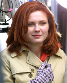 As Mary Jane in the Spider-Man series, Kirsten Dunst dyed her naturally blond hair red back in Spiderman Suits, Spiderman Movie, Spider Man Series, Mary Jane Watson, Hottest Redheads, Daily Beauty, Top Beauty, Red Hair Color, Color Red