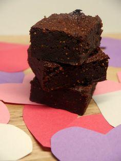 Dark Chocolate Fig Brownies (gluten-free, dairy-free, nut-free, paleo) #yestoyummy