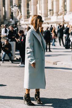 Women S Fashion Trivia Questions Basic Fashion, Petite Fashion Tips, Indie Fashion, Fashion Tips For Women, Retro Fashion, Fashion Trends, Women's Fashion, Street Fashion, Body Negro