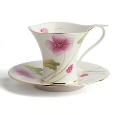 An ergonomically correct teacup and saucer set by Chacult.