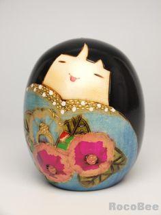 Japanese Sousaku Kokeshi Doll by Koho / Yukitsubaki (B) Japanese Sosaku Kokeshi Doll desing by Koho [0101040013] - $15.99 : Kokeshi Doller.c...