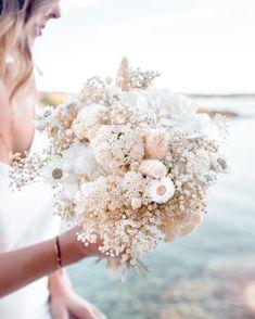 Bride Flowers, Flower Bouquet Wedding, Wedding Bride, Dream Wedding, Bridal, Floral Arrangements, Wedding Planning, Marriage, Wedding Inspiration