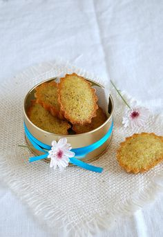 Orange and pistachio financiers / Financiers de pistache e laranja by Patricia Scarpin, via Flickr