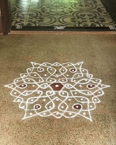 Karthigai Day 14 : Day View :) I started replicating a beautiful Idukku Pulli design and lost my way 🙈 But hey! Since I know the rules of Kolam, I decided to finish it in my own. Life is beautiful if we choose for it to be ☺️