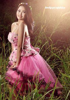 Model: Ririn Photograph: Lody graphics Concept: Beauty Location: Taman Kota, Tangerang - Indonesia