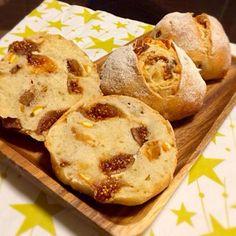 大好きなフィグとオレンジピールをたっぷり入れました う〜ん、シアワセ - 34件のもぐもぐ - 【ホシノ酵母】フィグとオレンジピールのパン by 有山